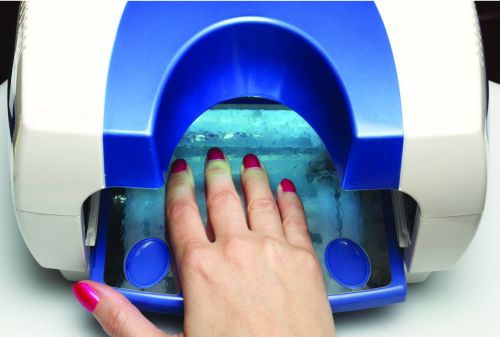 cancer on their hands from repeated use of the uv light nail lamps